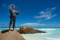 Cosa porterebbero gli italiani su un'isola deserta?  Copertina